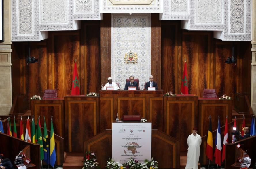 """Ouvrant les travaux du colloque international sur """"Le rôle des Conseils économiques et sociaux, des institutions similaires et des Parlements africains face aux nouveaux défis de la migration"""""""
