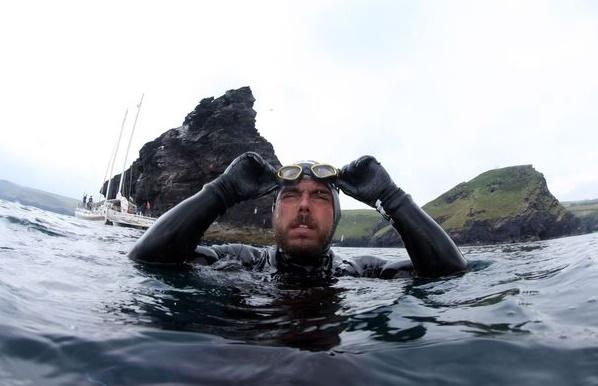 Insolite : Le tour de la GB à la nage