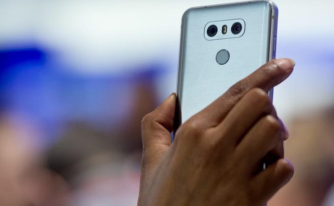 Les smartphones, outils et talons d'Achille des terroristes