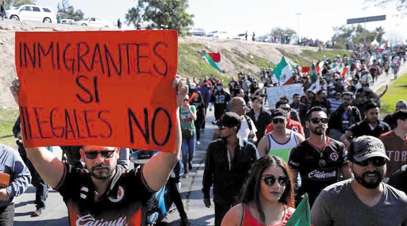Trump menace à nouveau de fermer la frontière entre les Etats-Unis et le Mexique
