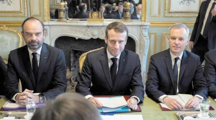 Emmanuel Macron réagit aux Gilets jaunes