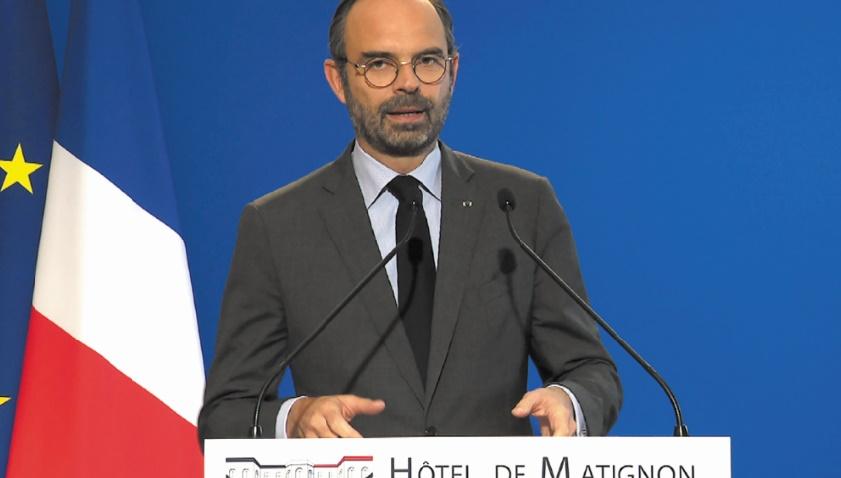 Le gouvernement français défend son plan de sortie de crise