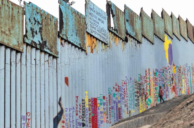 La Maison Blanche examine d'autres financements du mur