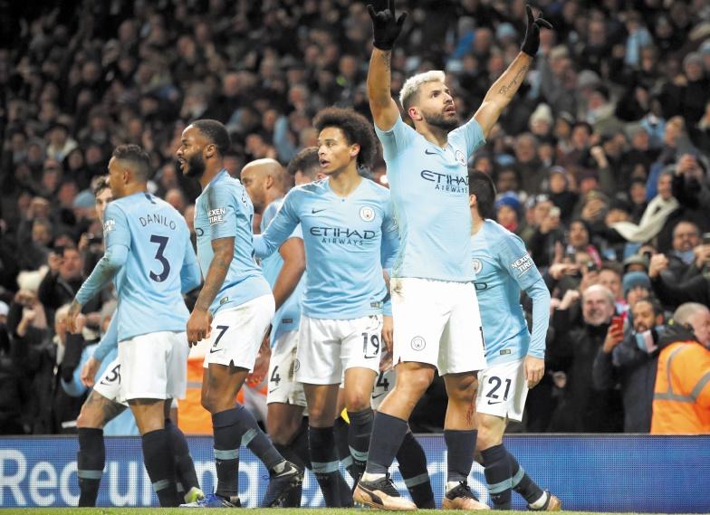 City met fin à l'invincibilité de Liverpool et relance la Premier League