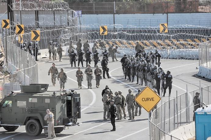 Des soldats américains à la frontière avec le Mexique jusqu'en septembre