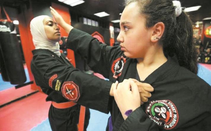 L'art martial du kajukenbo, l'arme des Koweïtiennes contre les agressions