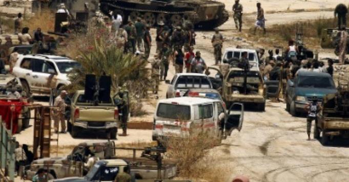 Cinq morts dans de nouveaux combats entre milices rivales au sud de Tripoli en Libye