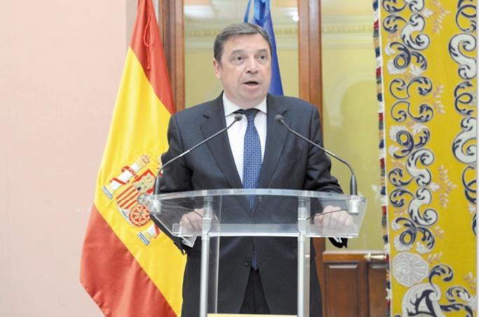 Luis Planas : J'aimerais que la flotte espagnole puisse pêcher dans les eaux marocaines avant l'été prochain