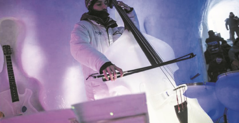 """Dans un igloo des Alpes italiennes, de la musique """"de glace"""""""