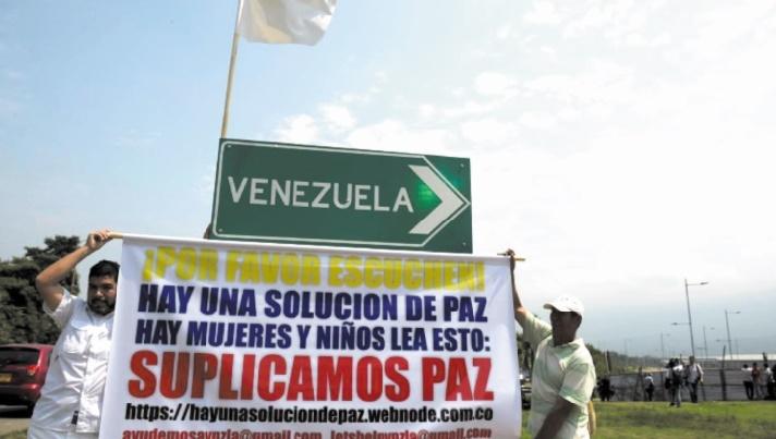 L'aide humanitaire bloquée à la frontière vénézuélienne