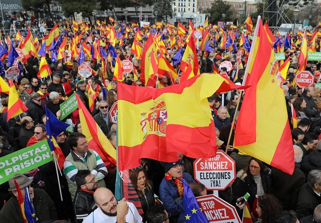 Manifestation à Madrid contre  la politique de dialogue du gouvernement avec la Catalogne