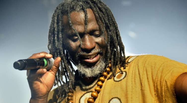 Tiken Fakoly renoue avec le reggae africain sur son prochain album