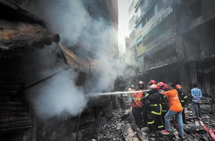 Au Bangladesh, un incendie a fait au moins 70 morts à Dacca