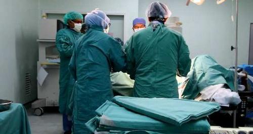 Un staff médical réussit à Ouarzazate une opération d'ablation d'un ver filiforme d'un œil d'un enfant