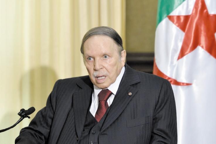 Abdelaziz Bouteflika confirme qu'il restera président après l'expiration de son mandat