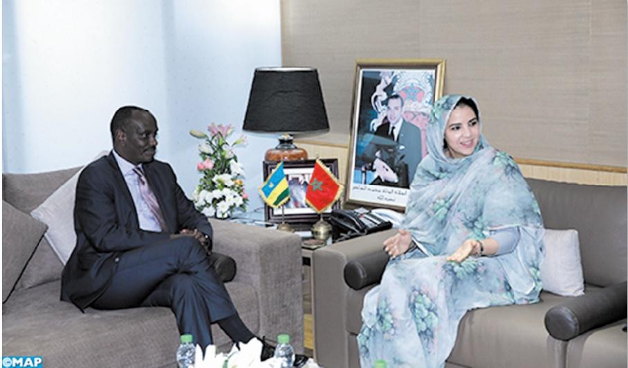 Rkia Derham reçoit le ministre rwandais des Affaires étrangères