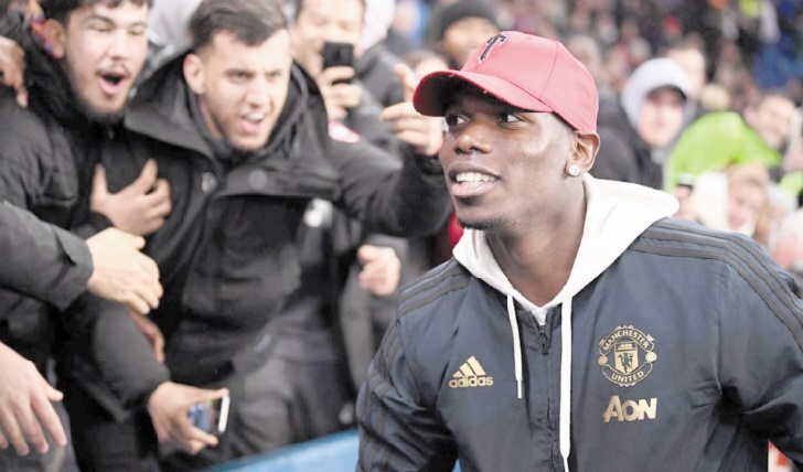 """""""Heureux"""" à Manchester, Pogba n'écarte pas le Real"""