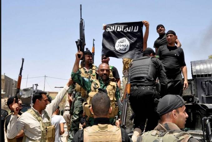 Retenus en Syrie, les jihadistes de l'EI et leurs familles restent un danger