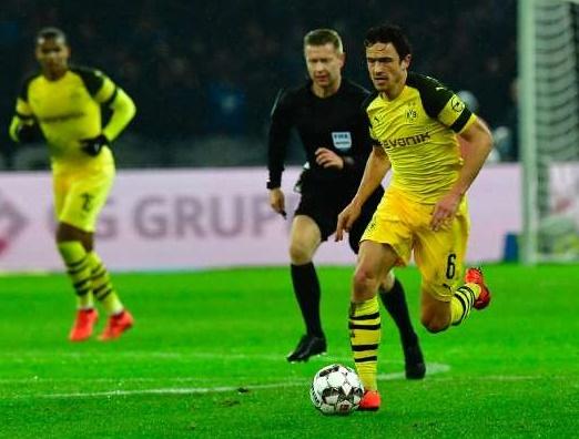 Bundesliga : Le Borussia marque le Bayern de près