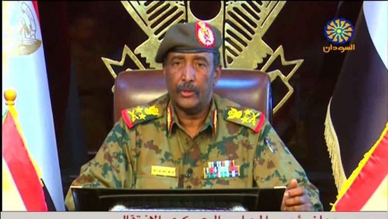 Le nouvel homme fort du Soudan  promet la rupture avec le régime Béchir