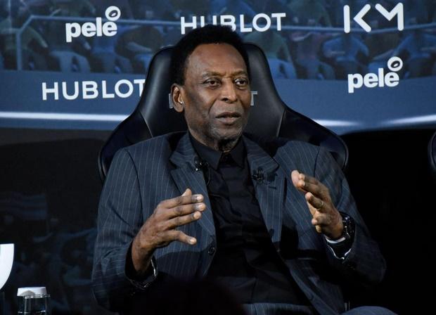 """Evolution """"satisfaisante"""" de l'état de santé de Pelé"""