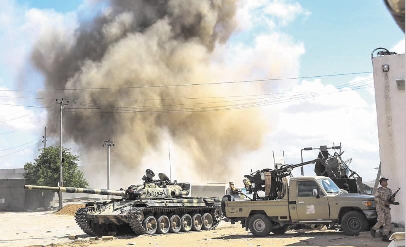 Au moins 121 morts au sud de Tripoli