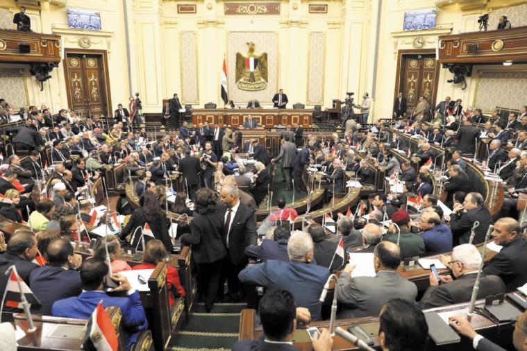 Vote du Parlement égyptien ouvrant la voie à une prolongation de la présidence de Sissi