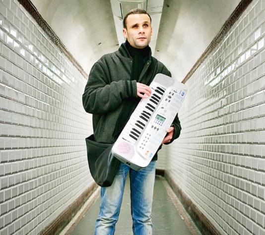 Mohamed Lamouri, chanteur de raï : Du métro parisien au Printemps de Bourges