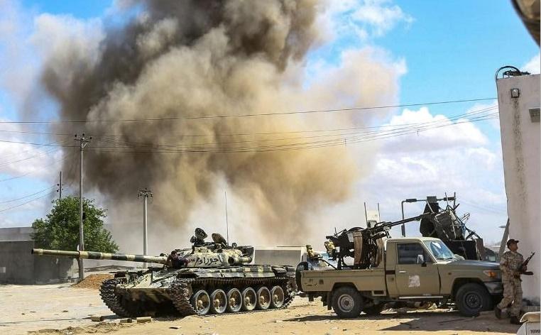 Les combats redoublent d'intensté au sud de Tripoli