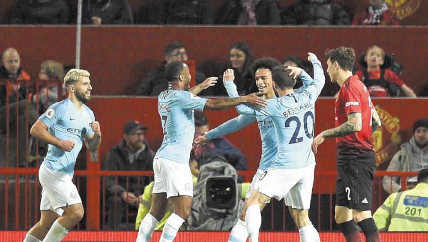 Premier League : City gagne la bataille des Manchester et se dirige vers le titre