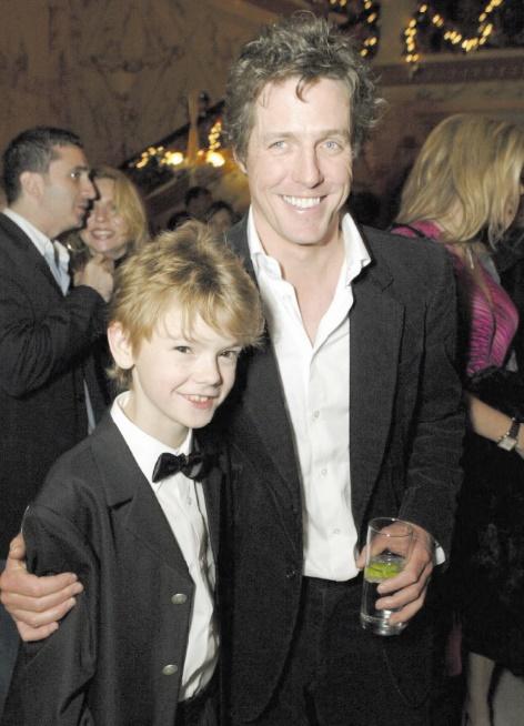 Stars de la même famille : Hugh Grant et Thomas Brodie-Sangster
