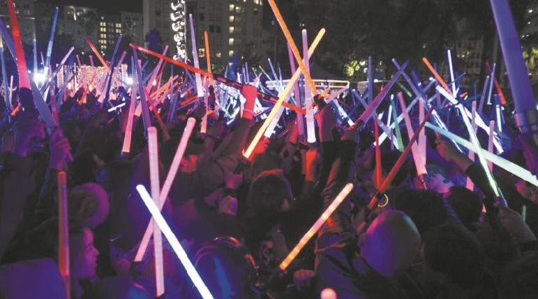 Guerre des clones : Les fans de Star Wars fabriquent leurs propres sabres laser