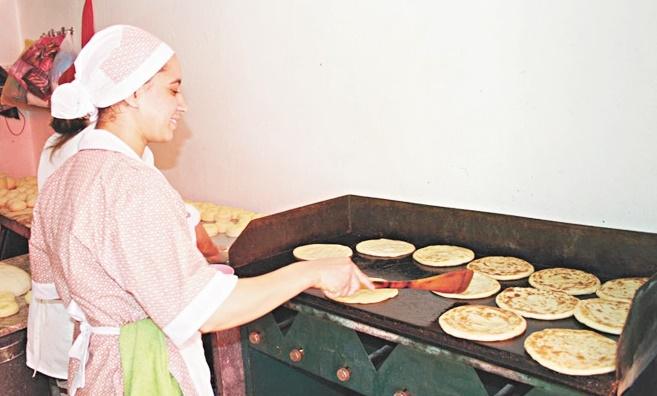 Ces petits métiers ramadanesques qui font recette chez les Meknassis