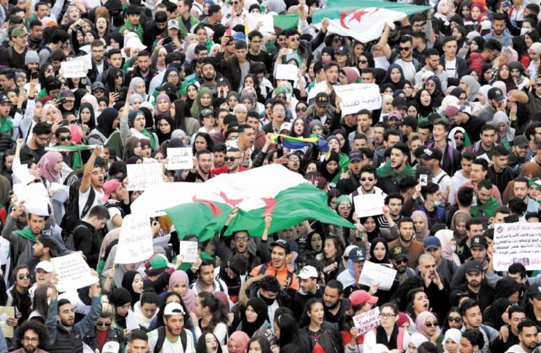 """En Algérie, l'armée dit """"non"""" aux principales demandes de la contestation"""