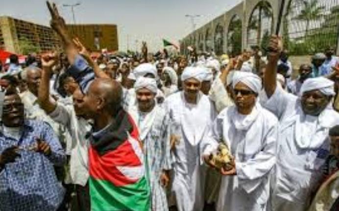 Le mouvement de contestation divisé sur la grève générale au Soudan