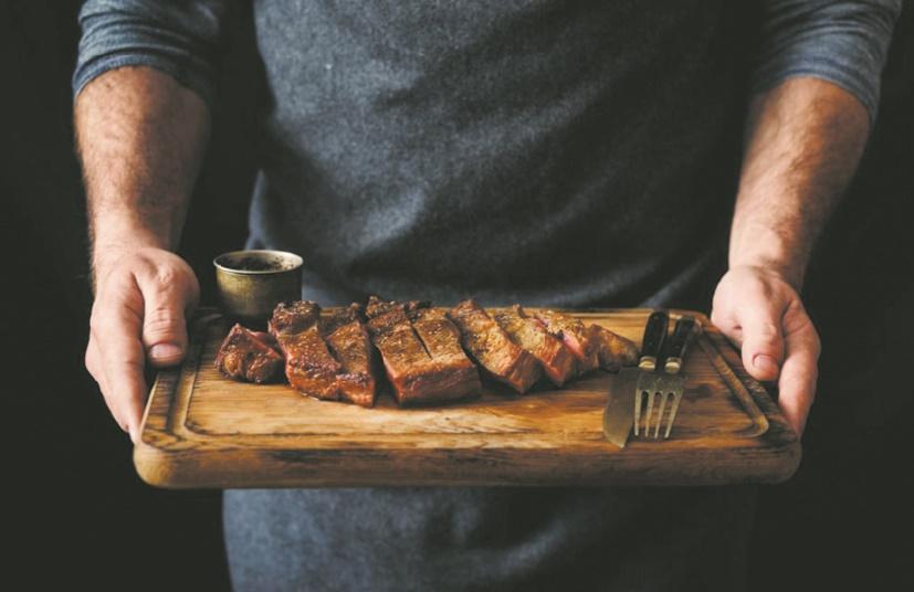 Qu'elle soit rouge ou blanche : la viande est mauvaise pour le cholestérol