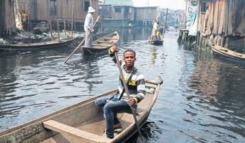 Lagos s'enfonce dans les eaux