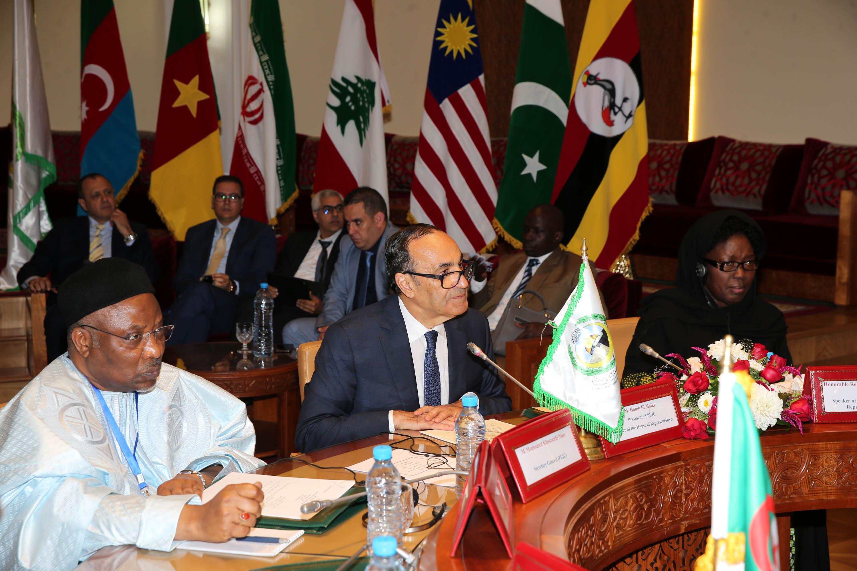 Apporter une réponse collective aux défis stratégiques, sécuritaires et économiques auxquels nos pays se trouvent confrontés