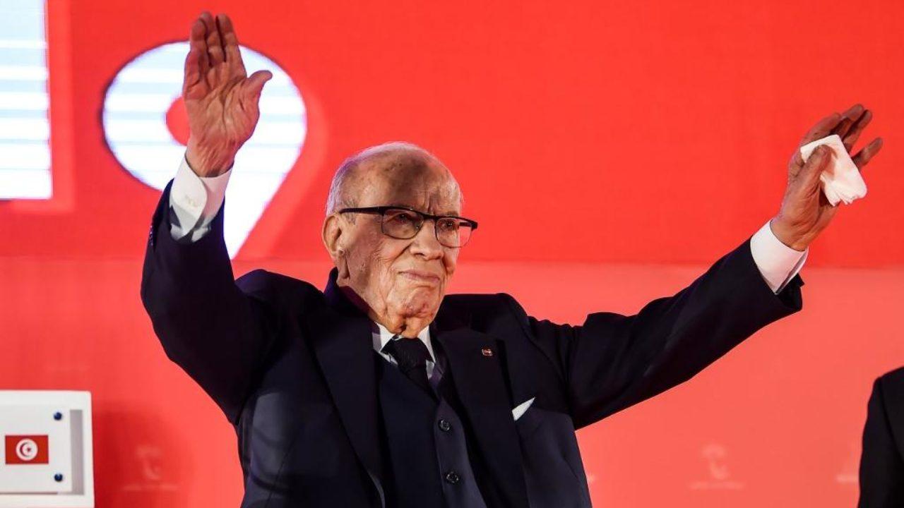 La Tunisie pleure son président et prépare une élection pour septembre