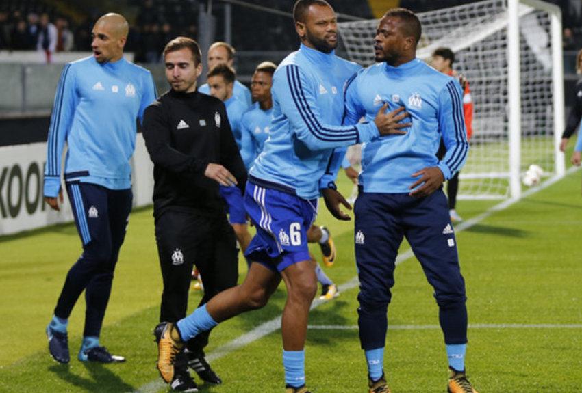 Patrice Evra quitte  le foot par la petite porte
