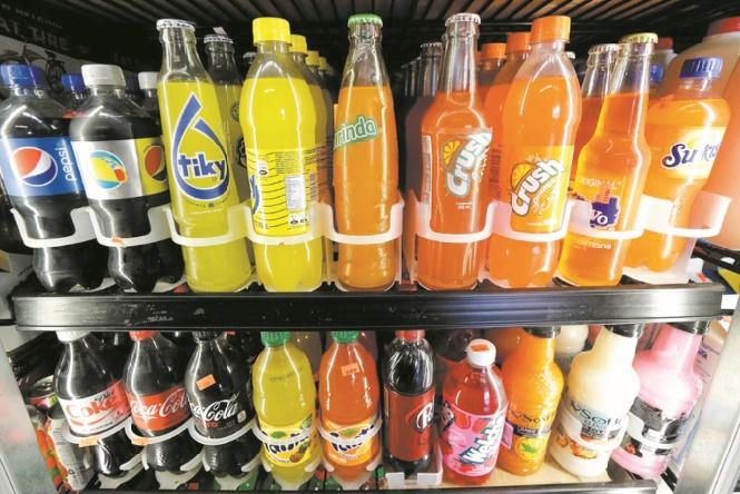 Une taxe soda pour réduire l'obésité et alimenter le budget en Roumanie