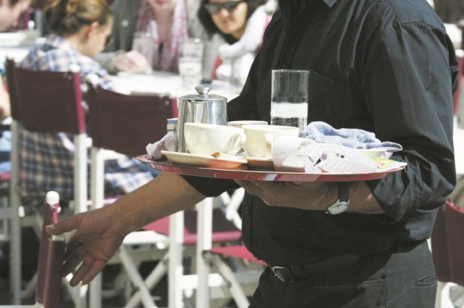 Employés des cafés, restaurants et autres bistrots : Ces grands oubliés du Code du travail
