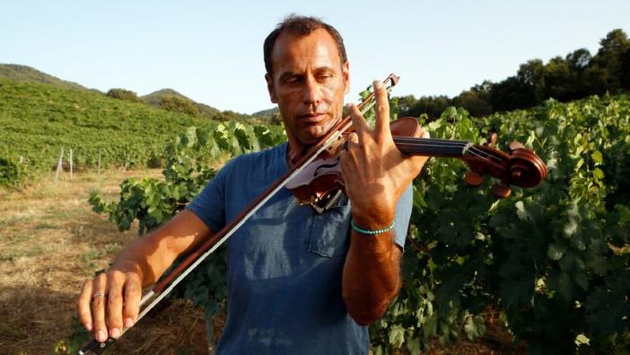 Le violoniste Bertrand Cervera ou la passion du lien social et musical