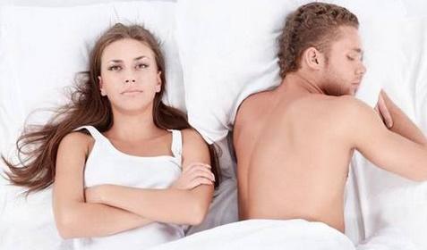 Pourquoi les femmes dorment moins bien que les hommes
