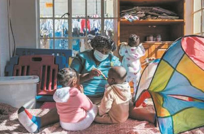 Aux portes des orphelinats sud-africains où échouent les bébés abandonnés