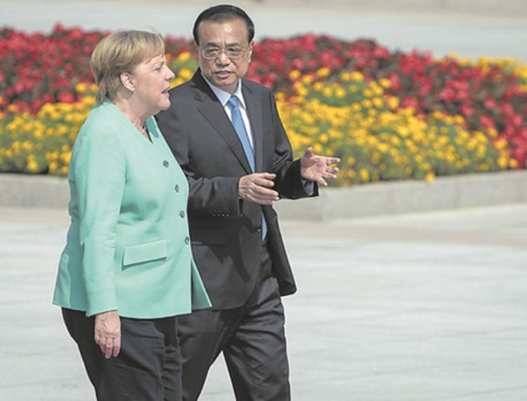 """A Pékin, Merkel appele à garantir """"les libertés"""" à Hong Kong"""