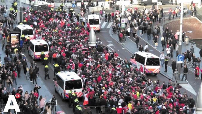 Du hooliganisme à Amsterdam