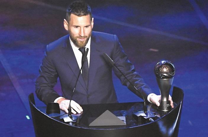 """Prix Fifa """"The Best"""" Lionel Messi coiffe Virgil Van Dijk"""