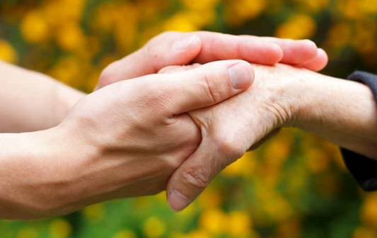 Le dépistage précoce pour une meilleure prise en charge des personnes atteintes d'Alzheimer