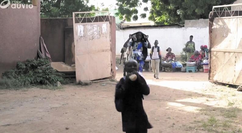 Déplacés par la guerre, les enfants sacrifiés de l'école au Mali